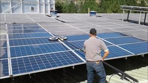 Resim Güneş Enerji Santrali GES Temizliği